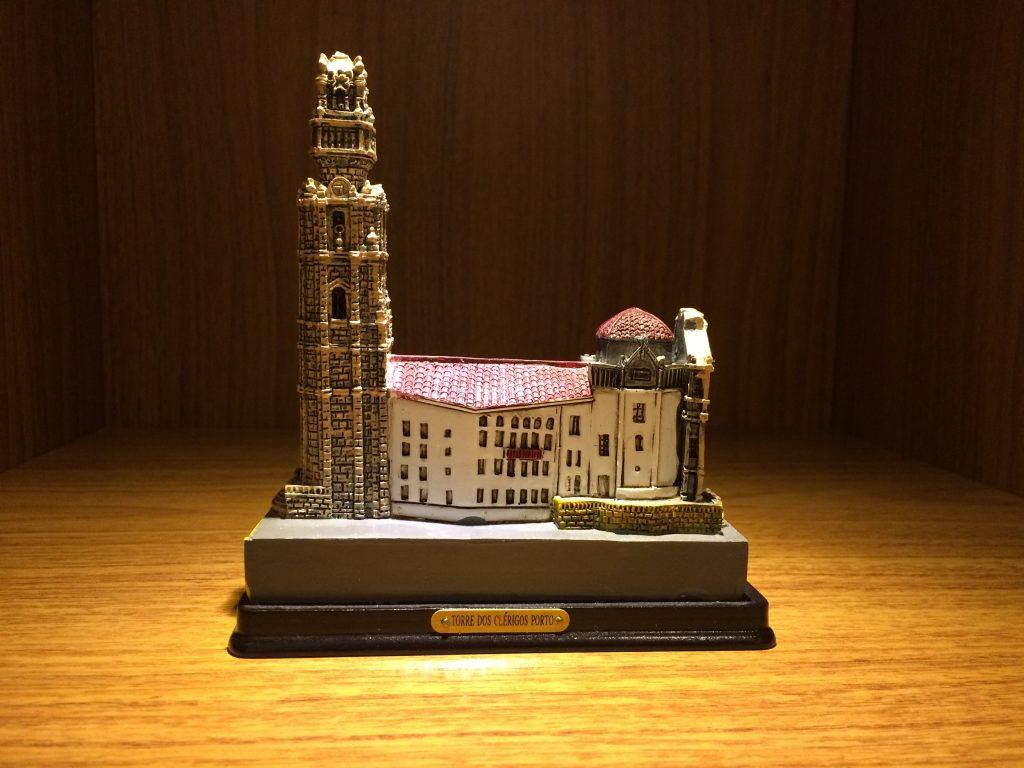 Miniatura Arquitetônica da torre dos clerigos em Portugal