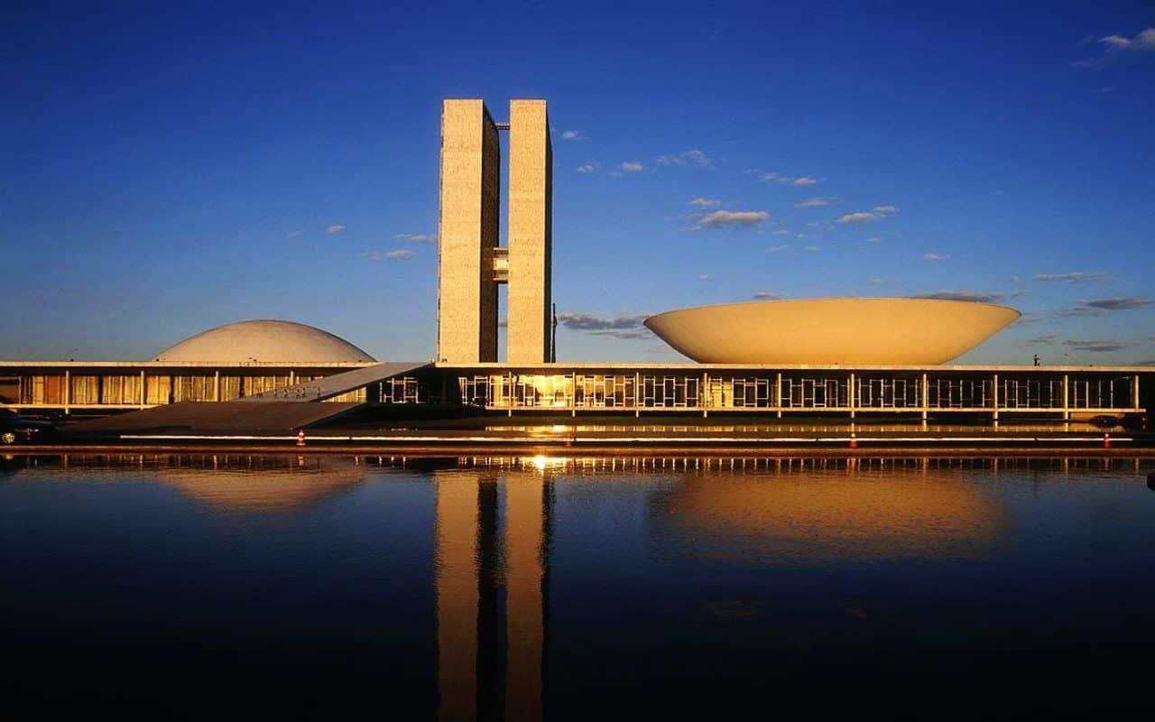 osscar niemeyer a arquiteta2 - Maiores arquitetos brasileiros: conheça os principais nomes da nossa arquitetura
