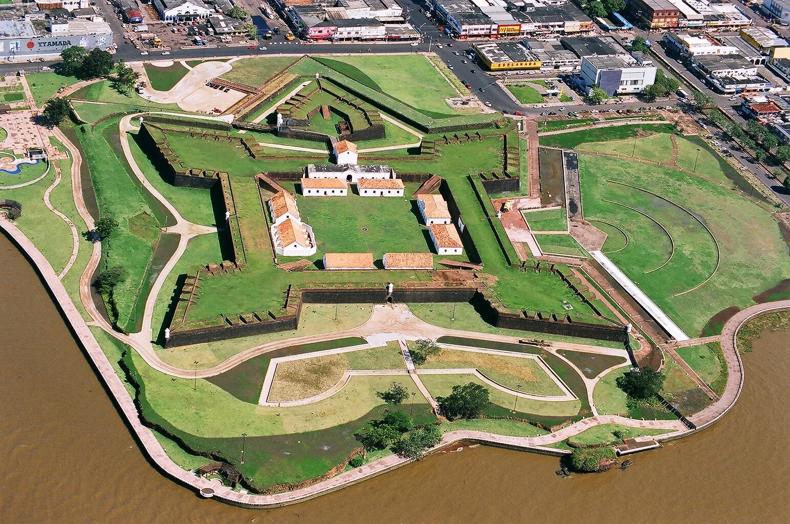 rosa kliass a arquiteta1 - Maiores arquitetos brasileiros: conheça os principais nomes da nossa arquitetura