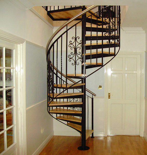 arquitetura e a engenharia das escadas helicoidais