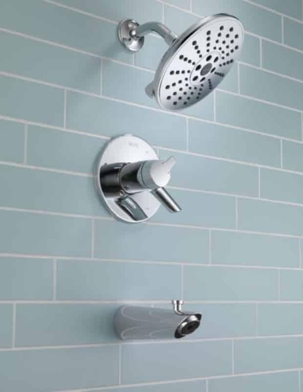Delta TempAssure H20Kinetic Tub and Shower Trim - Estas são as tendências atuais na tecnologia de banheiros.