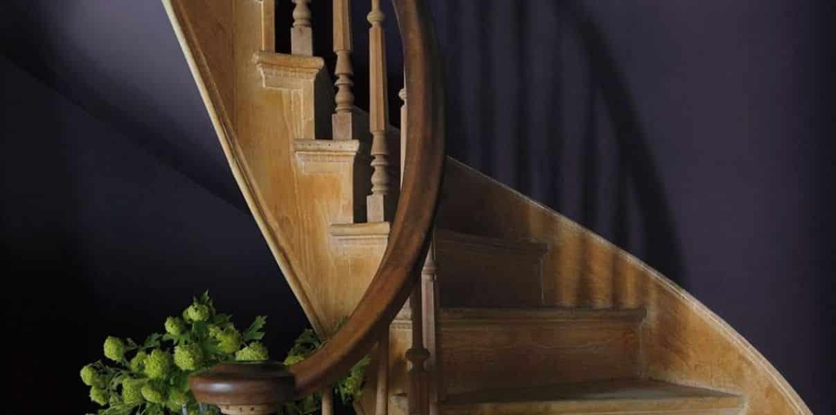 escada espiral - Os 10 Mandamentos da Pintura