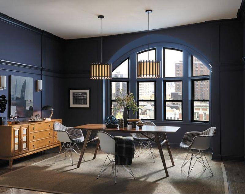 sala com janela arqueada - Os 10 Mandamentos da Pintura