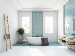 Banheiro com parede branca e azulejo azul.