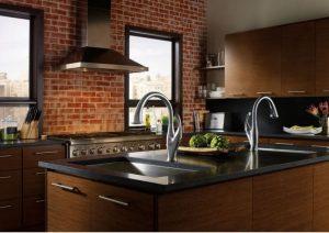cozinha rústica com madeira 300x212 - Pias de cozinha: Como escolher o melhor estilo para suas necessidades
