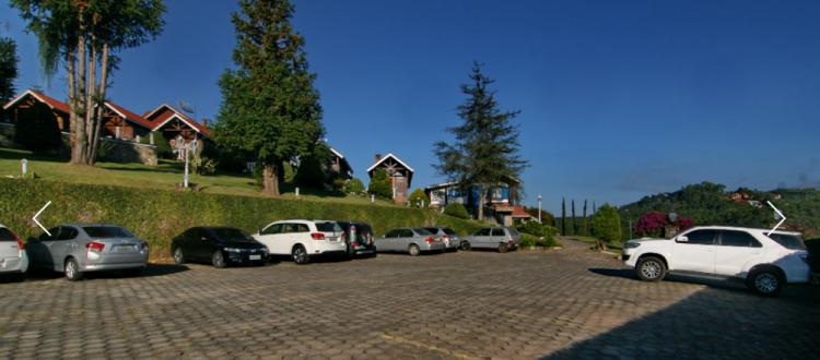 estacionamento pousda das pedras 750x330 - Pousada das Pedras Monte Verde, MG-Brasil.