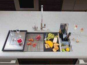 tigela de pia com compartimentos 300x224 - Pias de cozinha: Como escolher o melhor estilo para suas necessidades