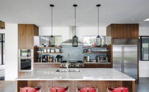 pia om bancada de mármore e quatro cadeiras de metal 300x186 - Qual é o seu estilo de Design de Interiores?