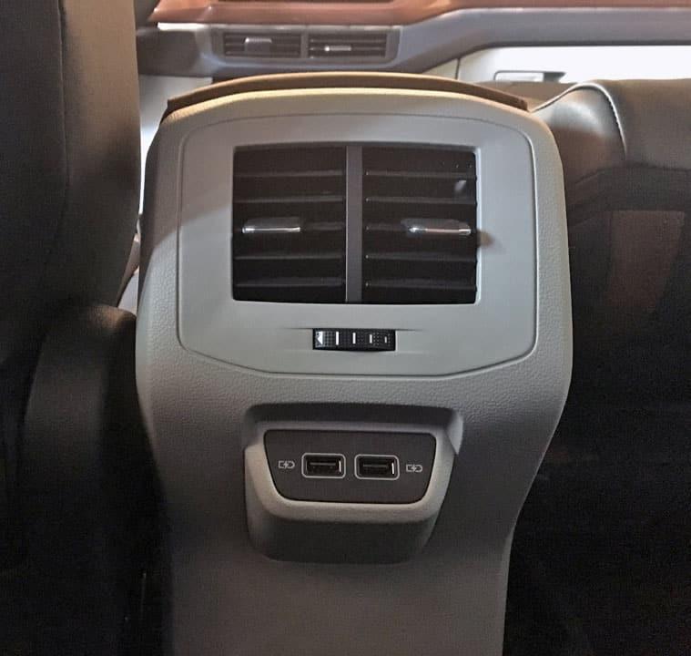saida usb t cross - Piloto de testes por um dia com o Volkswagen T-Cross