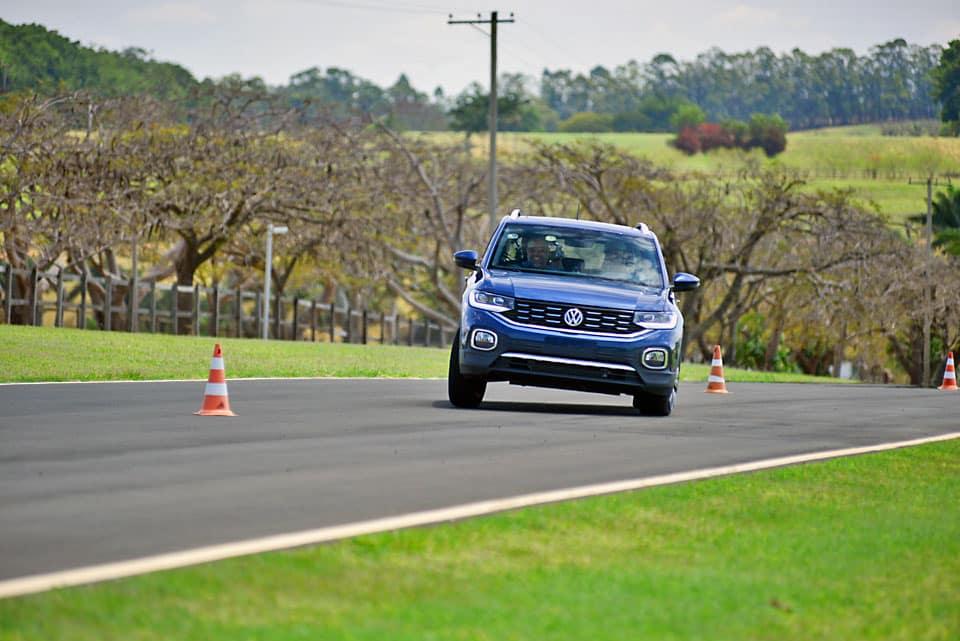 t cross na pista - Piloto de testes por um dia com o Volkswagen T-Cross