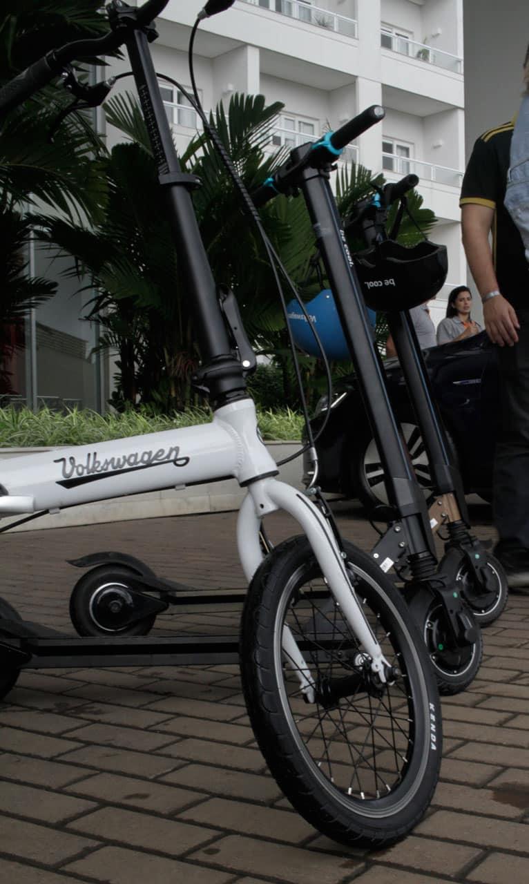 patinete 01 - Golf GTE e outras apostas de mobilidade elétrica urbana da Volskwagen