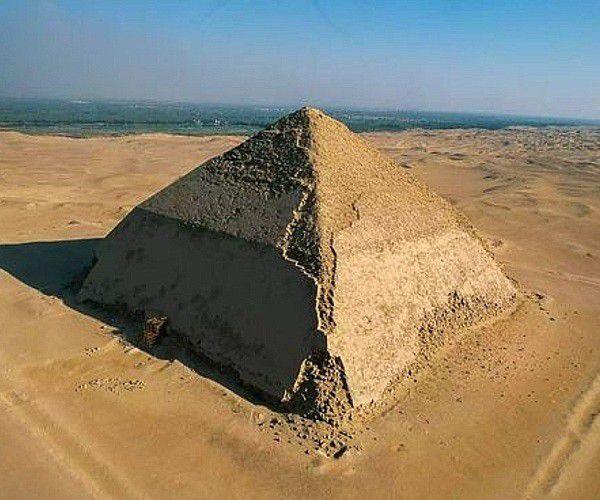 pirâmide torta - A arquitetura das pirâmides do Egito